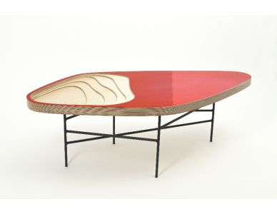 Table basse Fidji 322, résine rouge