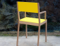Chaise laquée jaune